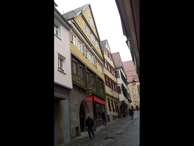 altstadt-tue-links